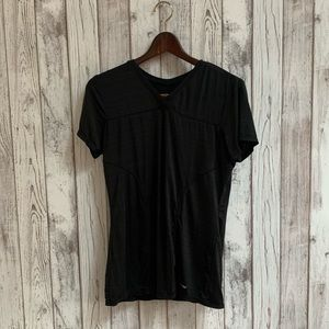 Head v neck workout top black size small